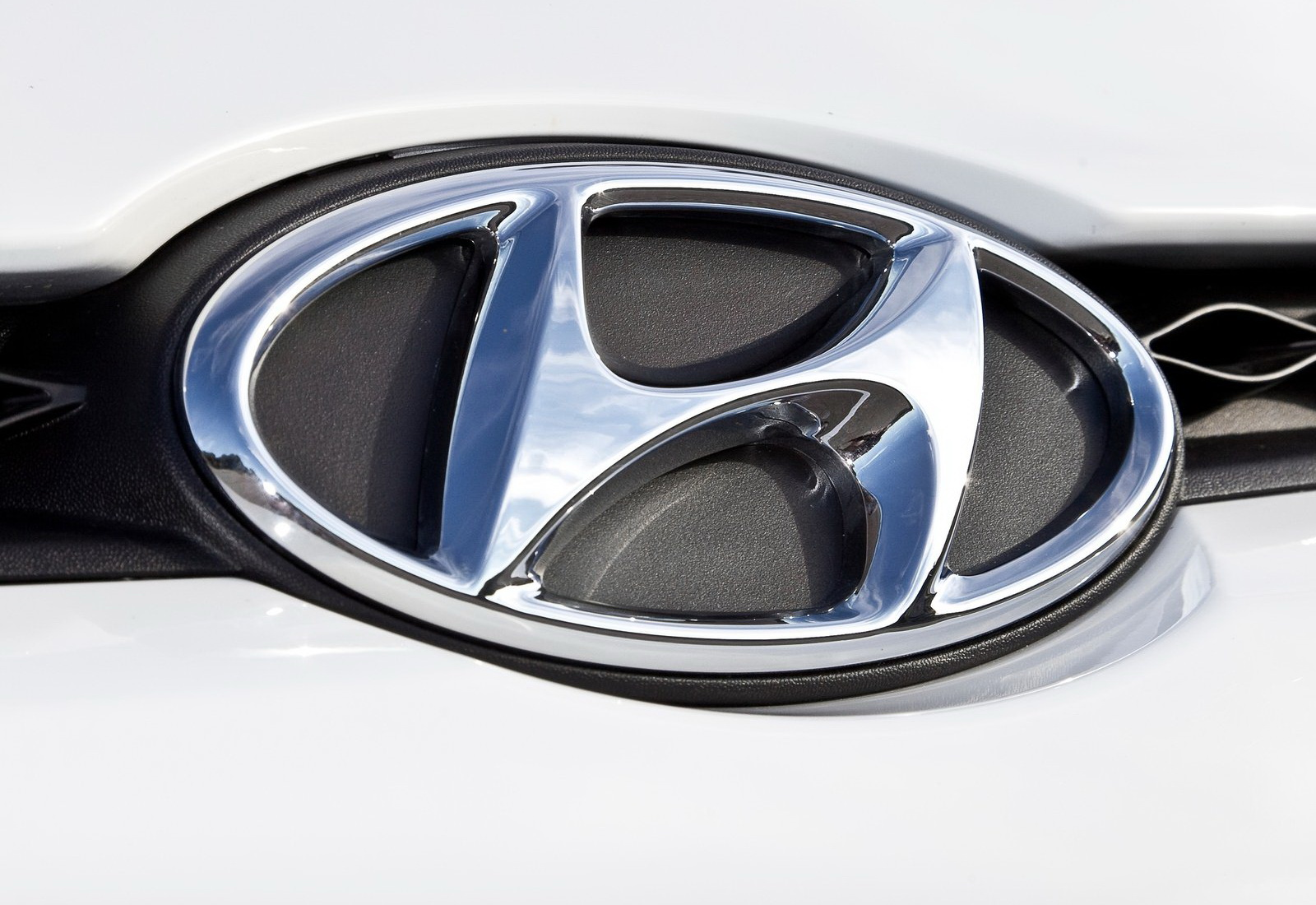 Hyundai Logo Huyndai Car Symbol Meaning And History Car Brand