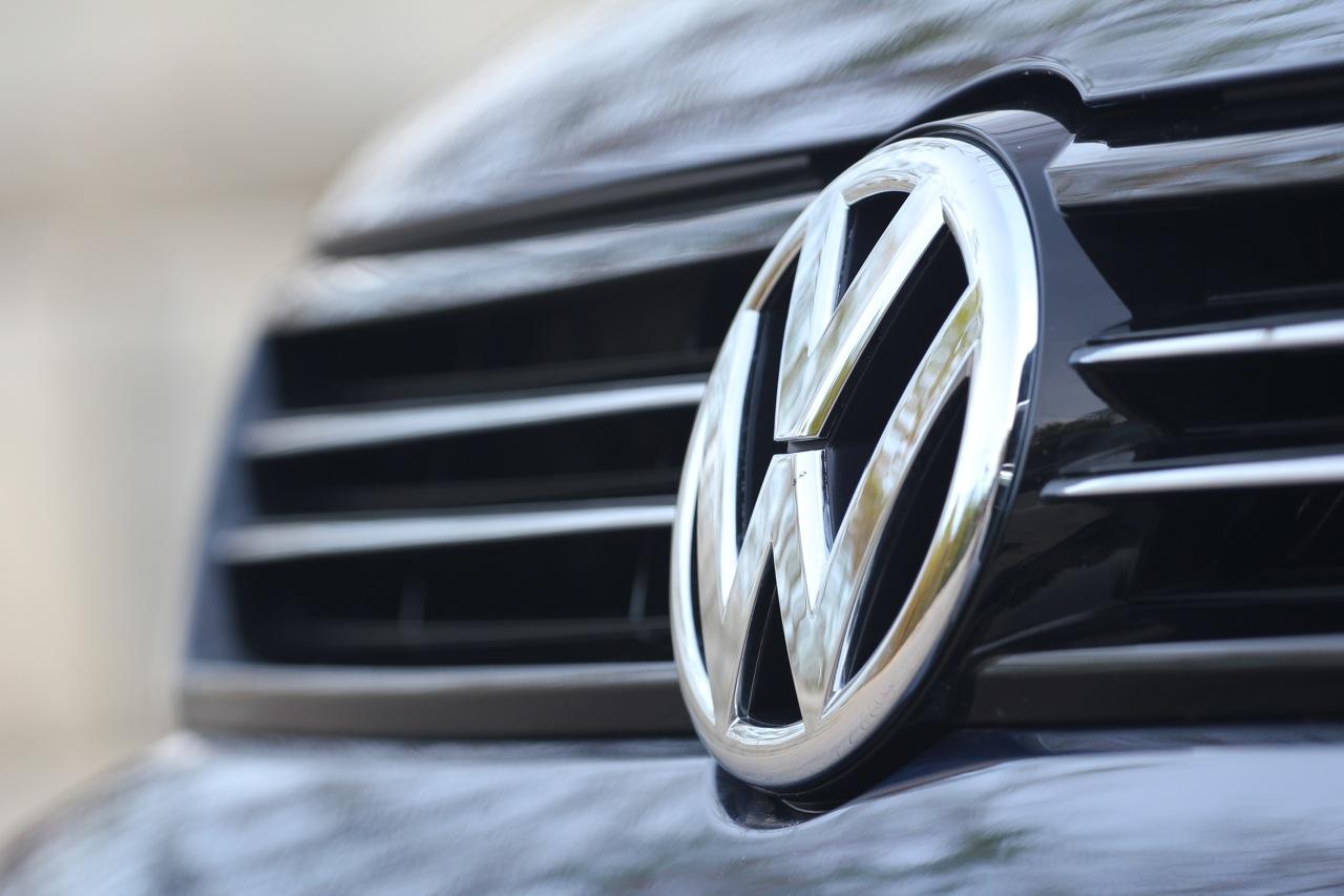 Volkswagen Logo Volkswagen Car Symbol Meaning And History Car