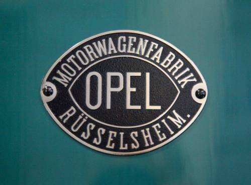 Old Opel Symbol
