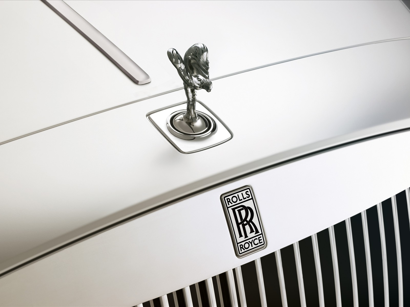 The Car Media  Significance Of Logo Rolls Royce - Car sign with wings