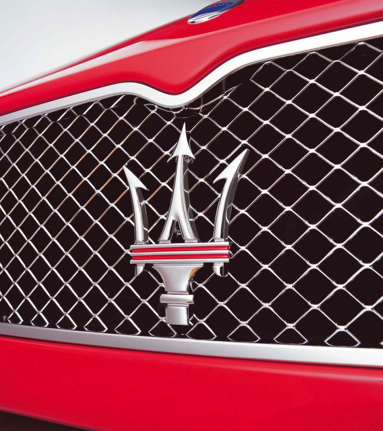 Car Model Logos And Names >> Maserati Logo, Maserati Car Symbol Meaning and History | Car Brand Names.com