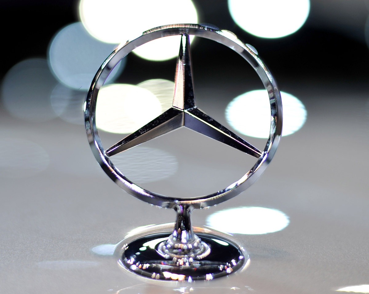 The car media significance of logo mercedes benz for Mercedes benz name origin