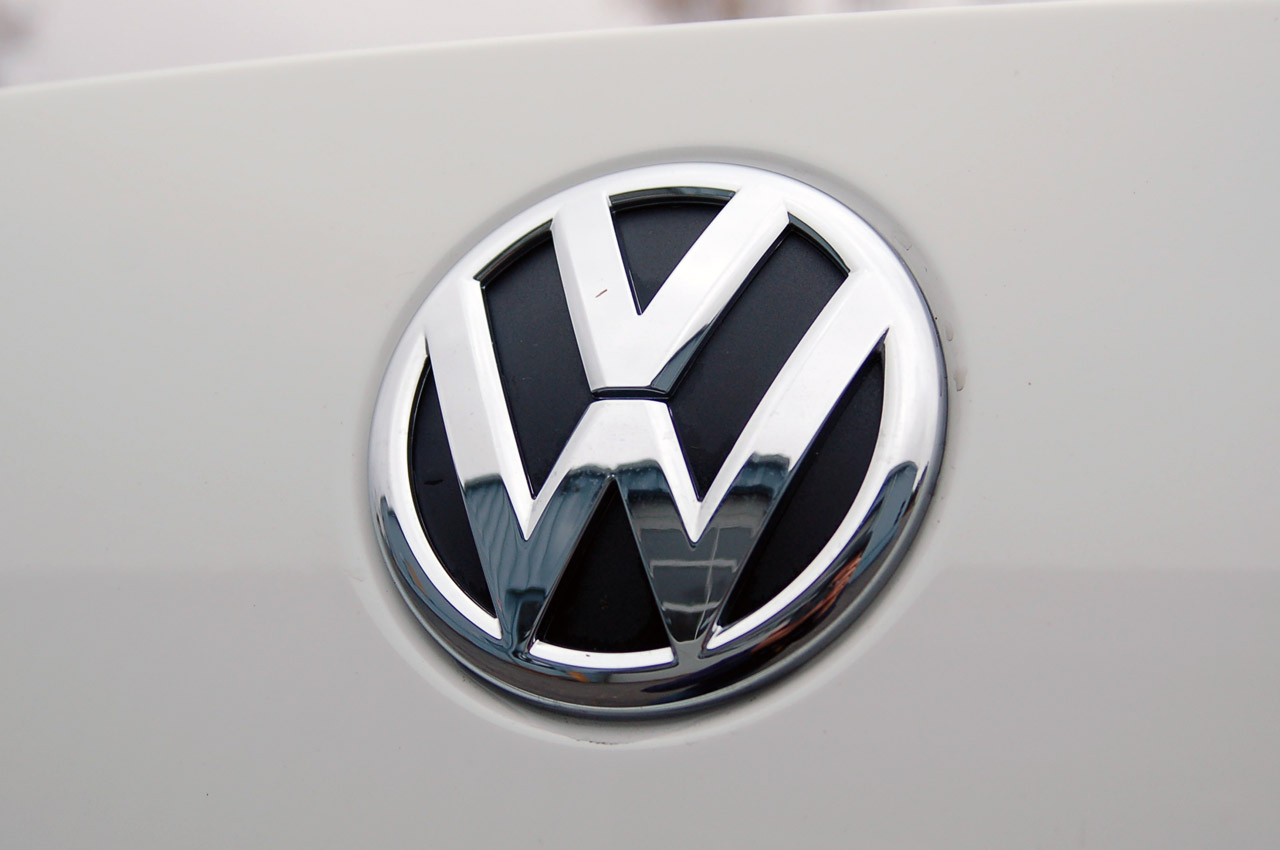 Image Of Logos And Names >> Volkswagen Logo, Volkswagen Car Symbol Meaning and History | Car Brand Names.com